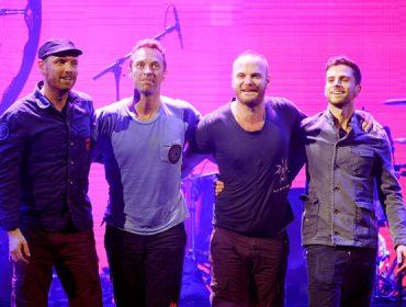 Entre um show e outro, Coldplay faz visita surpresa para as crianças do InCor. Dá o play!