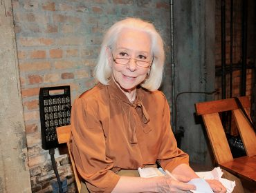 Fernanda Torres lançou livro com leitura especial no Teatro Oficina em SP