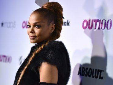 Cirurgião plástico americano afirma que o nariz de Janet Jackson está caindo. Oi?
