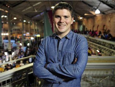 Irlandês que cresceu no campo e é o bilionário mais jovem do mundo não liga para dinheiro