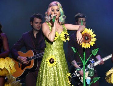 Katy Perry é proibida de entrar na China e cria mais problemas para a Victoria's Secret