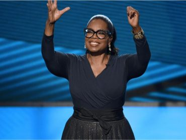 Com fortuna em alta, Oprah Winfrey agora tem novo hobby: ir ao banco!