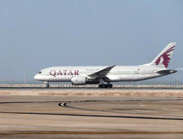 Mulher descobre traição durante voo e obriga comandante a fazer pouso de emergência
