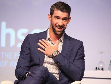 Michael Phelps fala verdades em frases clichês em auditório lotado em SP. Passe custou mais de R$ 3 mil