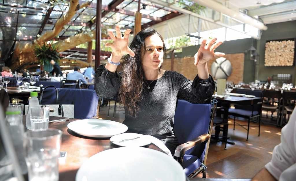 a584bf866 Ninguém segura ela: Janaína Paschoal solta o verbo sobre Lava-Jato, Lula e  Temer