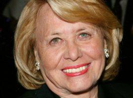 Morreu neste domingo, aos 94 anos, a lendária colunista Liz Smith