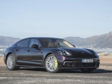 É hoje! Lançamento da Porsche, Panamera 4 E hybrid, estaciona na Casa Glamurama