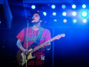 Bruno Mars se consagra como um dos maiores astros do pop com mega show em SP