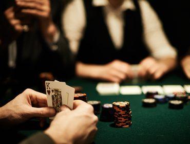 Unique Poker Lounge arma encontro durante o Novembro Azul no Shopping Cidade Jardim