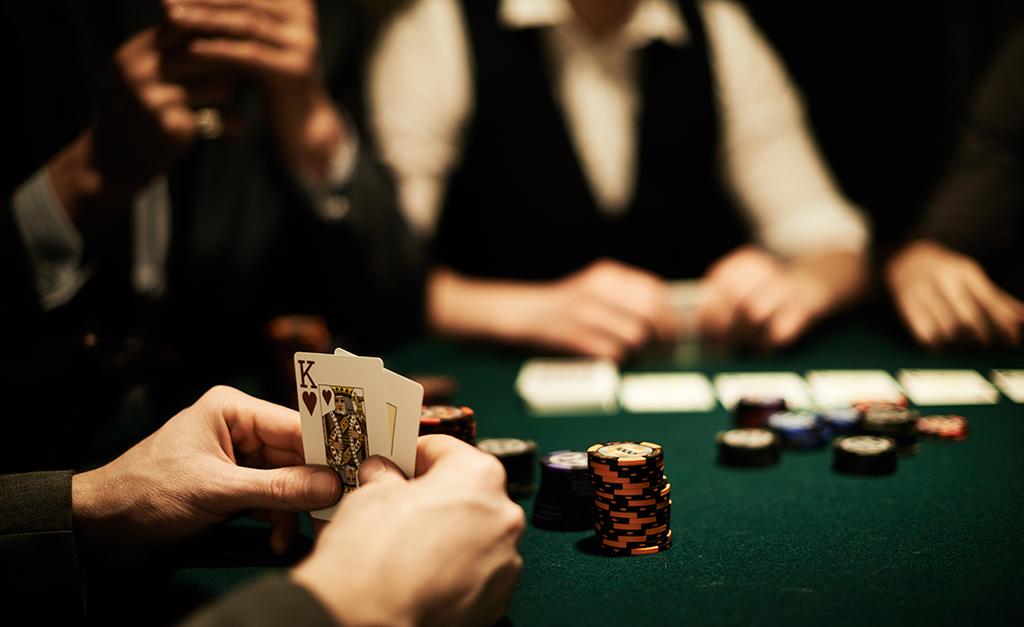 Unique poker lounge arma encontro durante o novembro azul no unique poker lounge arma encontro durante o novembro azul no shopping cidade jardim crditos istock reheart Gallery