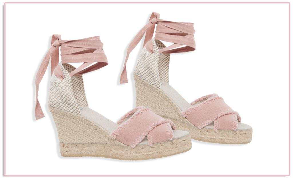 d61656805 Sandália anabela Bae à venda na tarde de compras do Fashion We || Créditos:  Divulgação