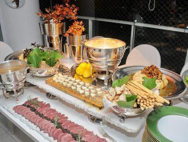 Duas Gastronomia assinou menu do jantar de Siglo de Oro chez Camila Klein