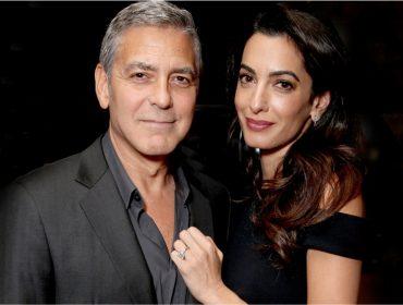 Os Clooney distribuíram fones de ouvido em voo no qual embarcaram com seus gêmeos…