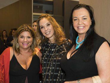 Esther e Murillo Schattan armaram cocktail de fim de ano na flagship da Ornare em São Paulo