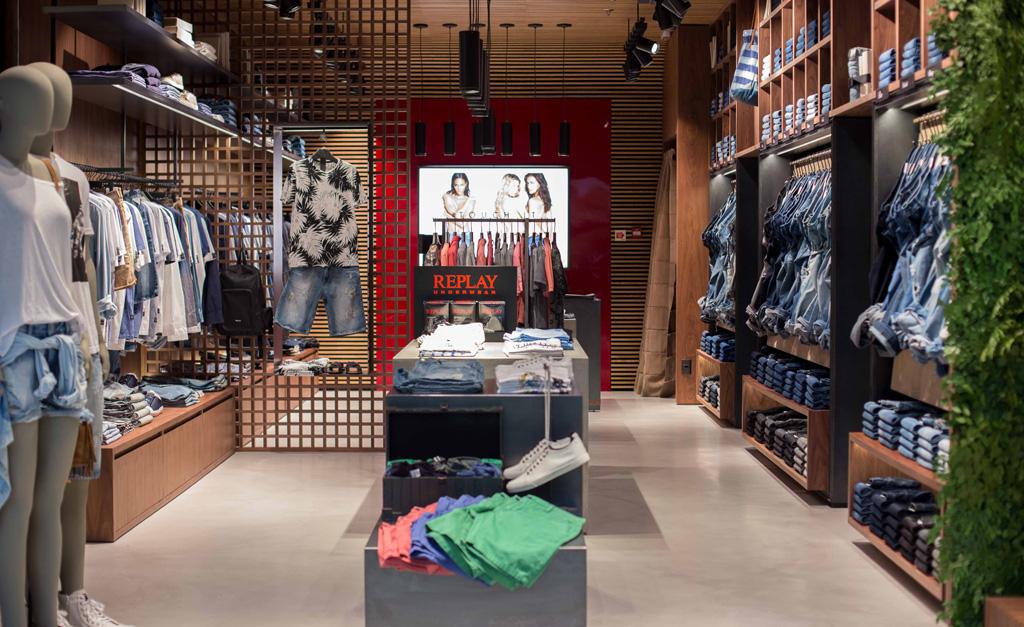 9eb1683ea6d Em outubro foi inaugurada mais uma loja da italiana Replay no Pátio  Higienópolis