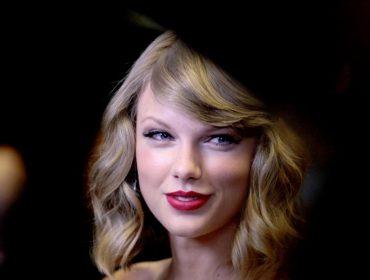 """Eleita uma das personalidades do ano pela """"Time"""", Taylor Swift dá dicas a quem já sofreu assédio"""