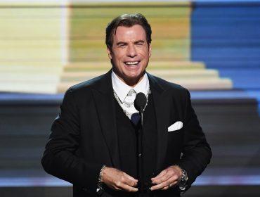 Em visita à Disneylândia, John Travolta deixa gorjeta generosa de mais de R$ 8 mil