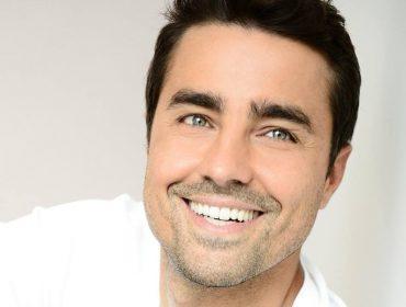 Ricardo Pereira solta a voz e comenta novos projetos, casamento, ciúme e escândalos sexuais