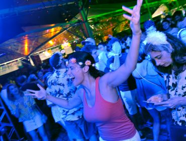 O Folia Glamurama ferveu a praça Victor Civita nesse sábado com pré-Carnaval da melhor qualidade