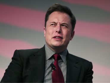 Elon Musk, cofundador da Tesla, marcou presença em orgia sem saber. Oi?