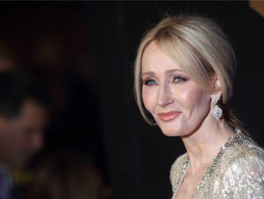 No Twitter, J.K. Rowling desmente informação que resultou em venda milionária de pub