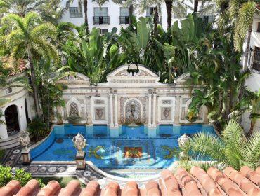 Por dentro da Mansão Versace: a propriedade onde Gianni Versace foi assassinado hoje é um hotel