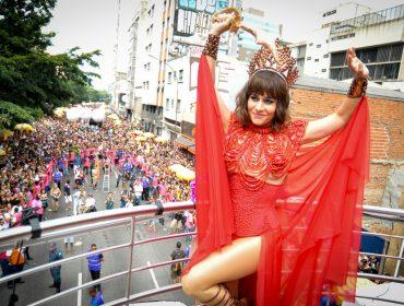Acadêmicos do Baixo Augusta reúne musas e um milhão de pessoas em São Paulo