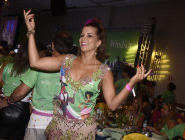 Tradicional feijoada do Windsor Barra reuniu celebs e glamurettes na tarde desse sábado no Rio de Janeiro