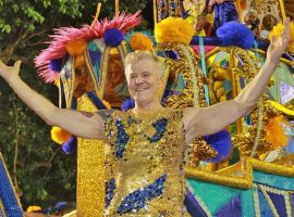 Fantasia couture de Miguel Falabella para desfile na Sapucaí tinha 10 kg de franjas de cristal