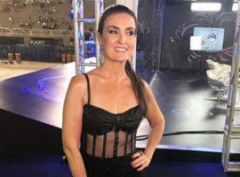 """Musa do Carnaval para entrevista só para elogiar Fátima Bernardes: """"Você é quem tem que desfilar"""""""