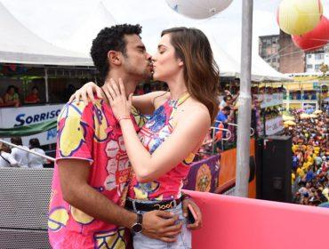 Sophia Abrahão e Sergio Malheiros falam sobre a vida juntos e planos para o futuro durante folia de Recife