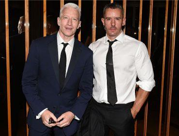 Anderson Cooper termina namoro de 10 anos e já embarca em novo affair. Sem crise!