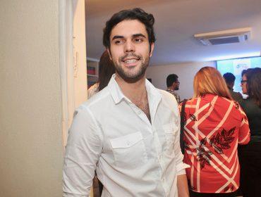 Bruno Lima completa nova idade e arma agito em ritmo reggaeton