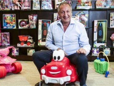 Bilionário americano pede dinheiro na internet para salvar famosa loja de brinquedos