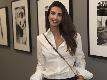 Galeria Mario Cohen recebeu turma das boas para abertura da expô de  Ellen von Unwerth