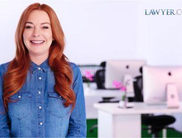 Lindsay Lohan se torna garota-propaganda de site de serviços advocatícios dos EUA. Oi?