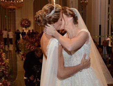 Casamento de Roberta Gradel e Priscila Raab agitou o Copacabana Palace