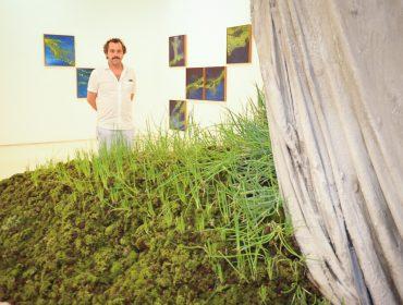 Galeria Millan recebeu convidados para abertura de duas exposições
