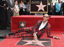 RuPaul é a primeira drag queen a ganhar uma estrela na calçada da fama