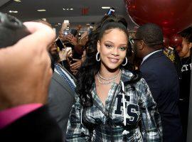 Depois de sucesso na moda esportiva e maquiagem, Rihanna mira em lingeries