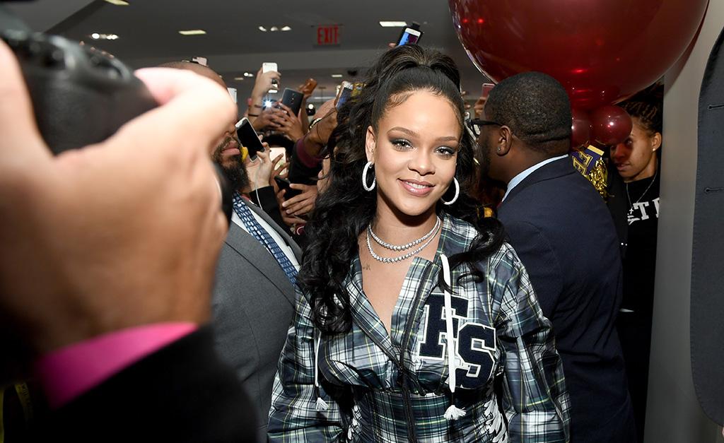 e4d50c429a Rihanna no lançamento de coleção da FENTY PUMA by Rihanna em outubro