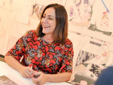 "Claudia Jaguaribe lançou o livro ""Beijing Overshoot"" na SP-Arte"