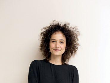 A beauty artist Rafaella Crepaldi dá a letra sobre a tendência do cabelo crespo