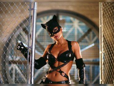 """Halley Berry não se arrepende de ter estrelado o fiasco """"Mulher-Gato"""". Saiba o motivo!"""