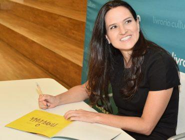Noite de autógrafos movimentou a Livraria Cultura do Iguatemi SP