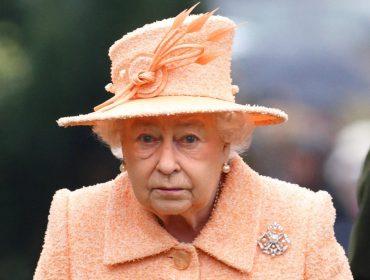 Palácio de Buckingham posta vaga de emprego com salário abaixo da média de Londres