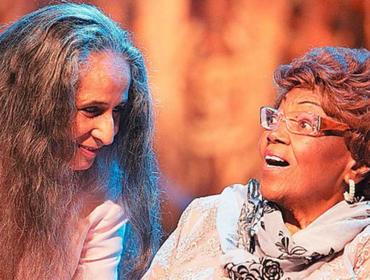 A pedido do Glamurama, Bethania grava mensagem íntima e emocionada para dona Ivone Lara. Escute!