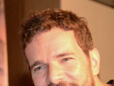Daniel de Oliveira conta que morou no Iraque e participou de clube da luta mirim