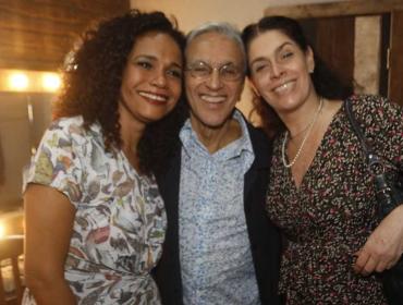Caetano Veloso, Debora Bloch e mais em plateia de show no Rio