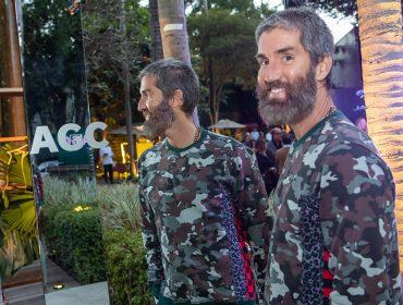 Stylist oficial de Caetano, Felipe Velosoentrega como é vestir o artista